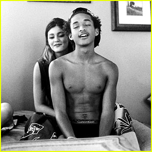 jaden-smith-shirtless-in-bed-with-kylie-jenner