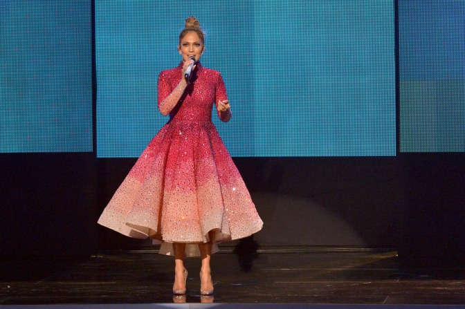 The Looks: The American Music Awards 2015