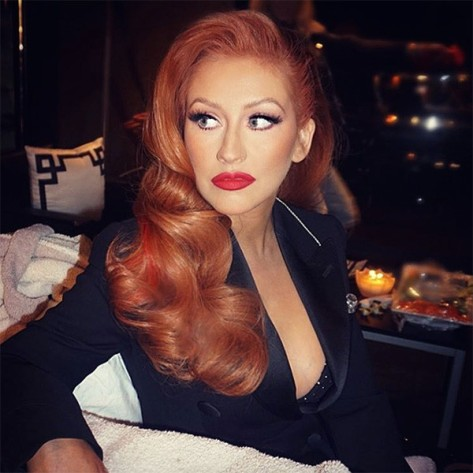rs_600x600-160607080302-600.christina-aguilera-red-hair.6716
